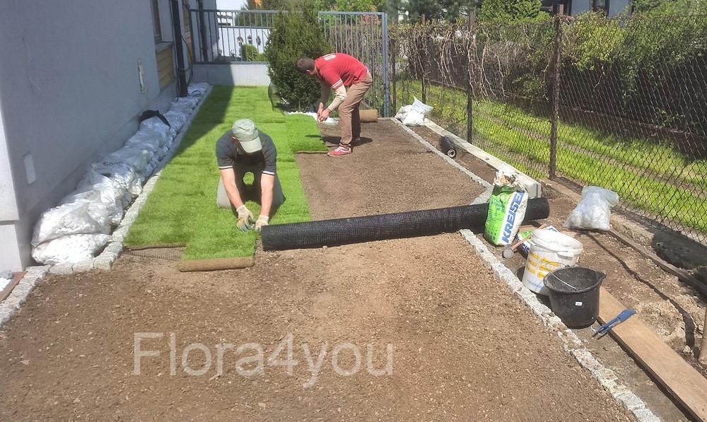 Układanie trawnika z rolki
